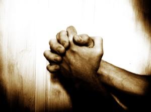 praying-1024x768